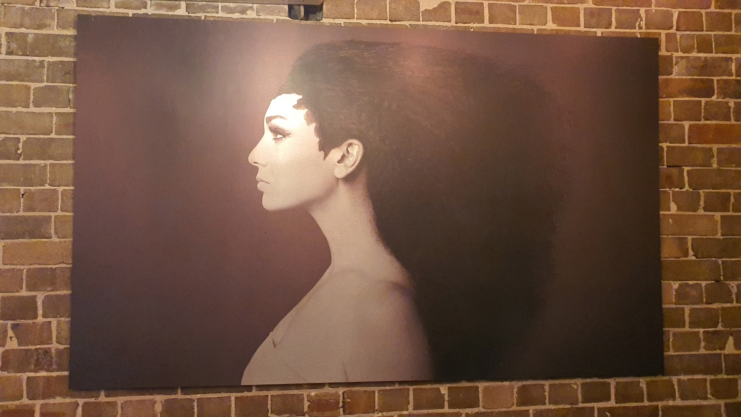 The Front Room Newtown Cafes Bars Sydney Art Out Live (3)