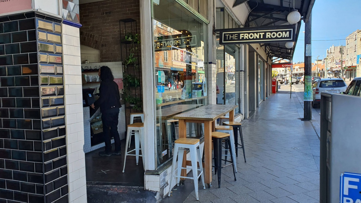 The Front Room Newtown Cafes Bars Sydney Art Out Live (4)